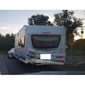 Repracion golpe trasero caravana